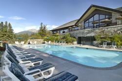 pool at the jasper park lodge
